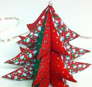 Crea un rbol de navidad de tela patchwork uolala - Arbol de navidad de tela ...