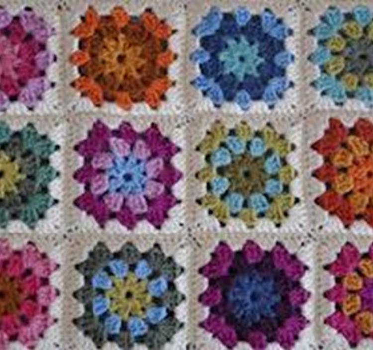 Aprende a hacer cuadros granny crochet uolala - Mantas de crochet a cuadros ...