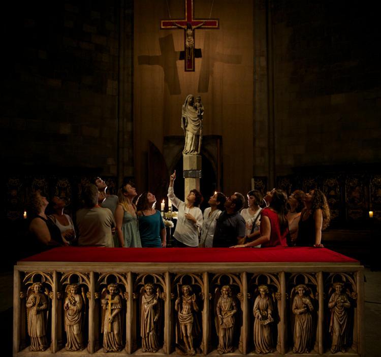 Basílica del Pi Secreta - Guía Nocturna