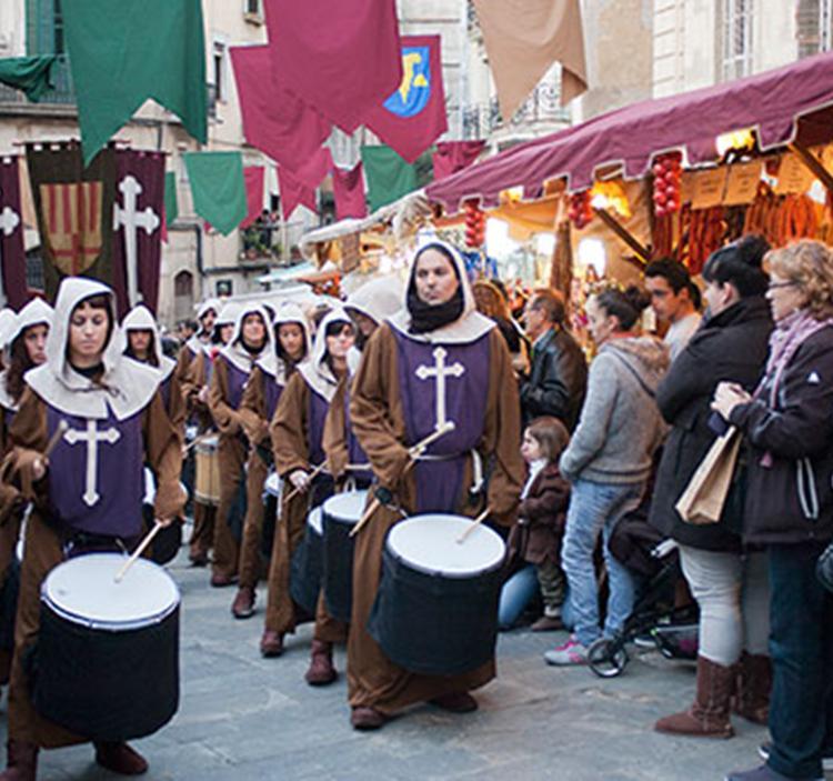 festival renaixentista aixada viatge segle XIV