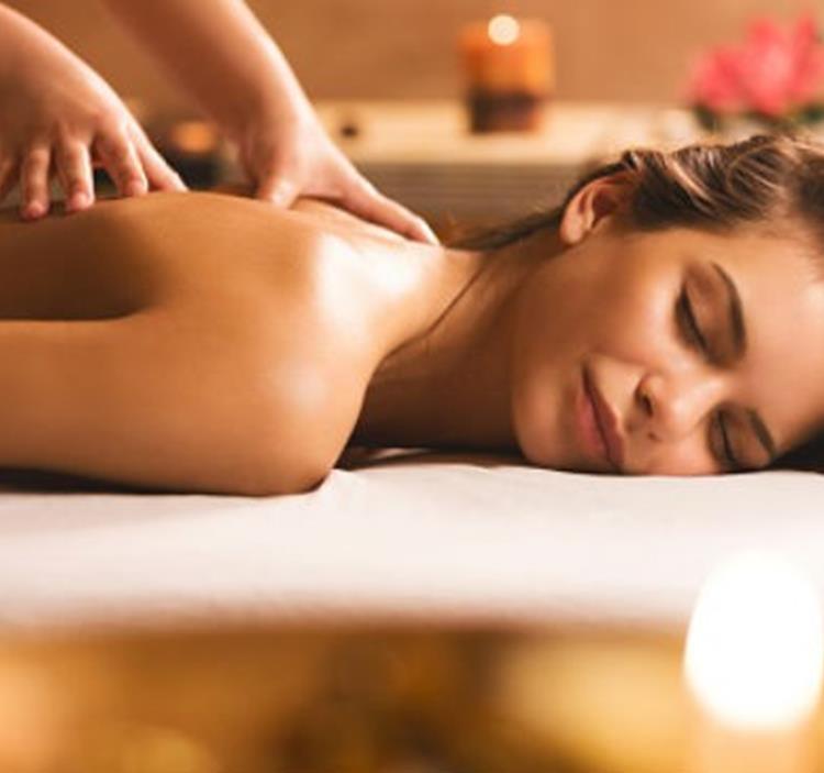 Masaje  de espalda + masaje facial en promoción