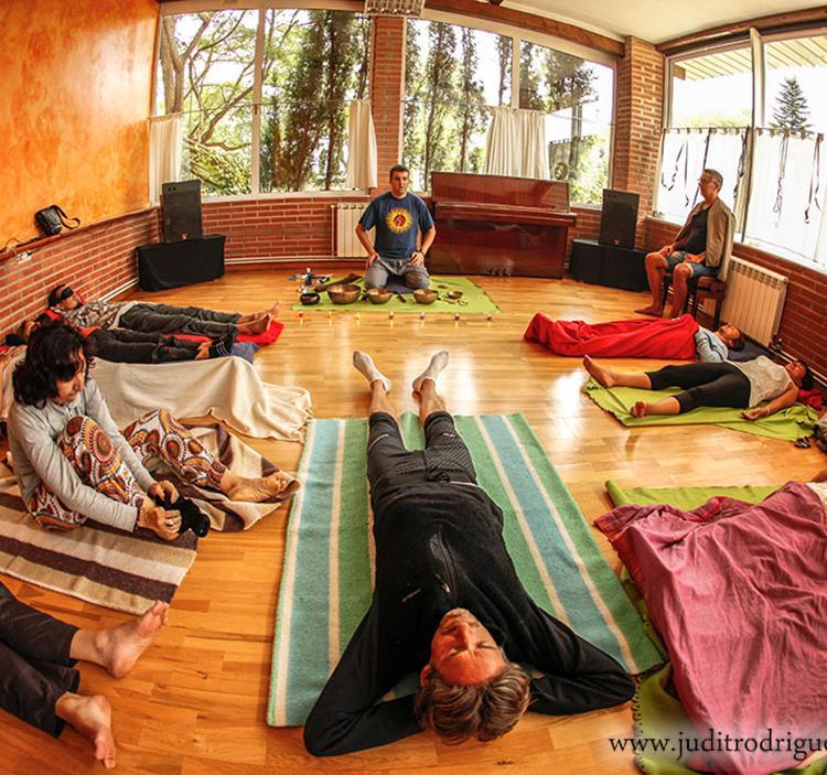 Meditación de los siete chakras con cuencos