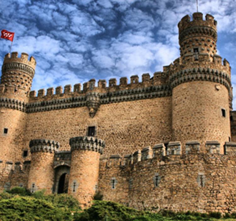 Visita pueblo museo y castillo de manzanares el real uolala - Polideportivo manzanares el real ...