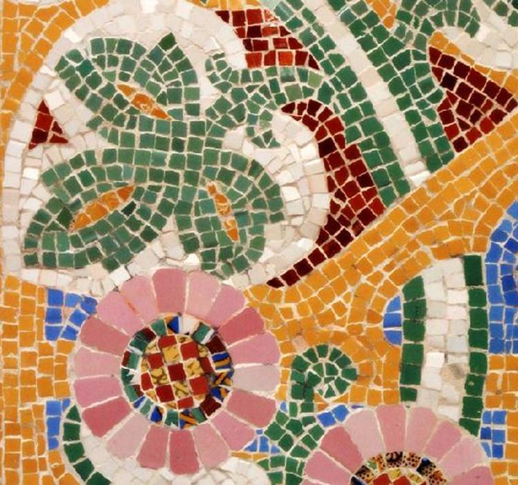 Si quieres conocer la t cnica de mosaico de gaudi uolala for El mural de mosaicos