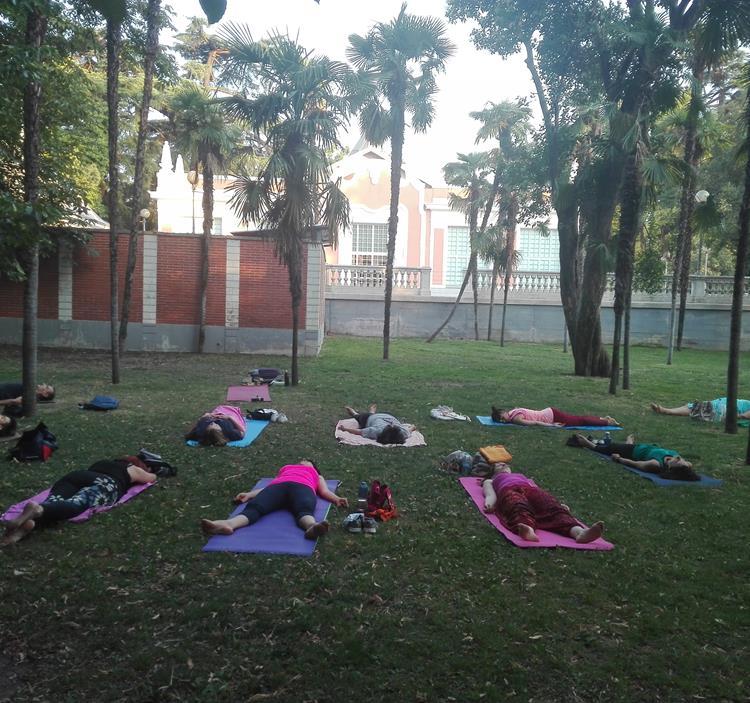 yoga en el Parque del Retiro
