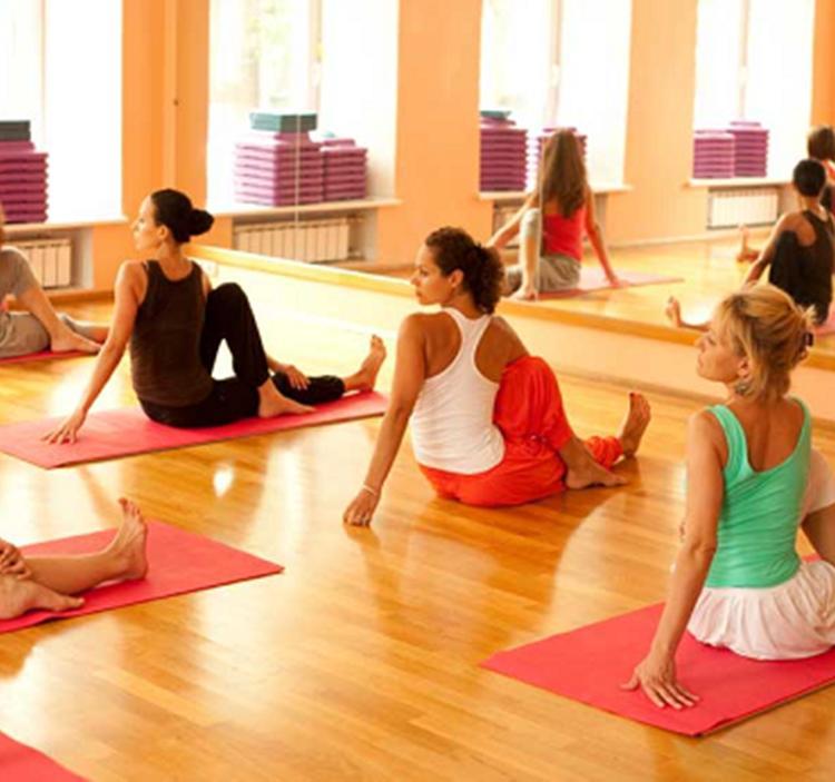Yoga Dinámico en Madrid - 1 clase gratis