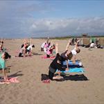yoga en la playa - 0